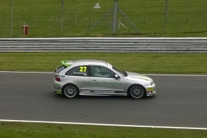 r 2015 050206 Tim racing at Brands Hatch