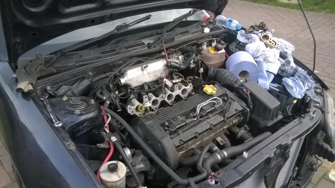 2016 033001 Spare engine inlet manifold gasket change
